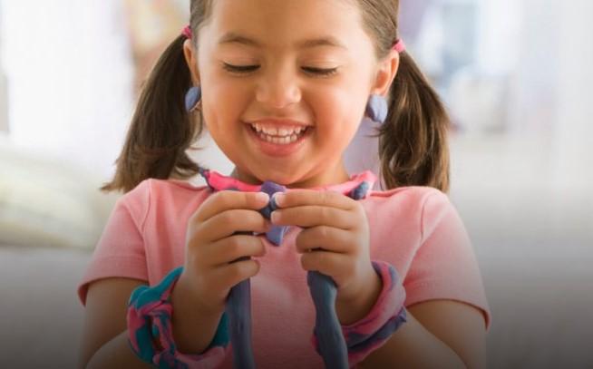 Entenda como os brinquedos podem estimular o raciocínio lógico infantil